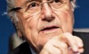 La FIFA denunció a su expresidente Joseph Blatter