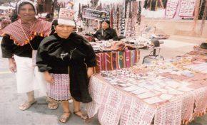 Inauguran 'Feria Textil de Cultura Yampara' en Sucre
