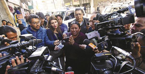 Abogado Soliz: existe presión mediática para desprestigiar a Nemesia Achacollo