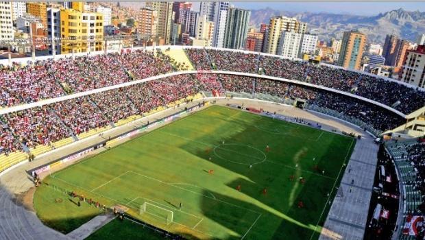 Bolivia venció Perú por 2 -0 en el Hernando Siles