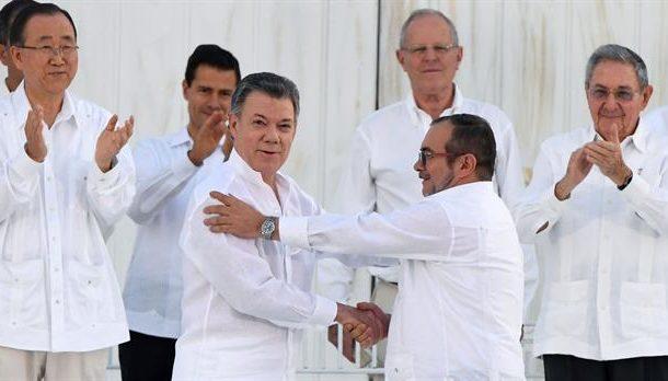 Gobierno de Colombia y las FARC firmaron acuerdo de paz, después de más cinco décadas de guerrilla