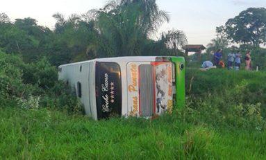 Accidente de tránsito en la carretera Trinidad - Santa Cruz deja nueve personas heridas
