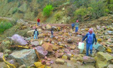 Lluvia destruye carretera en Toro Toro y bloquea a turistas
