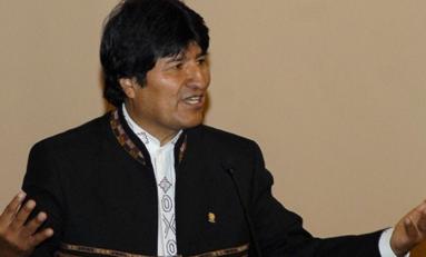 Presidente Morales prefiere ver Fox Sport porque los noticieros locales mienten