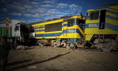 Un camión choca a un tren en Condorcani cerca de Challapata