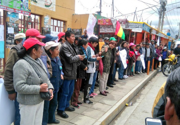Vecinos y oyentes alteños se autoconvocan para defender radio Líder