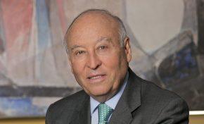 Después de 25 años el boliviano Enrique García deja la CAF