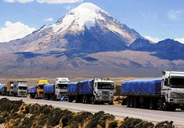 Vehículos de transporte pesado llevarán placa internacional