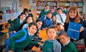 Investigan distribución de 45 copias de El Libro del Mar en Chile