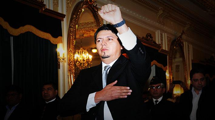 Cae Guillermo Achá por irregular compra de taladros y posesionan a Oscar Barriga