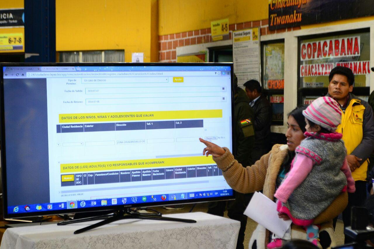 Alcaldía también da permisos de viajes de mejores de edad en plataforma integral de atención de la zona Sur