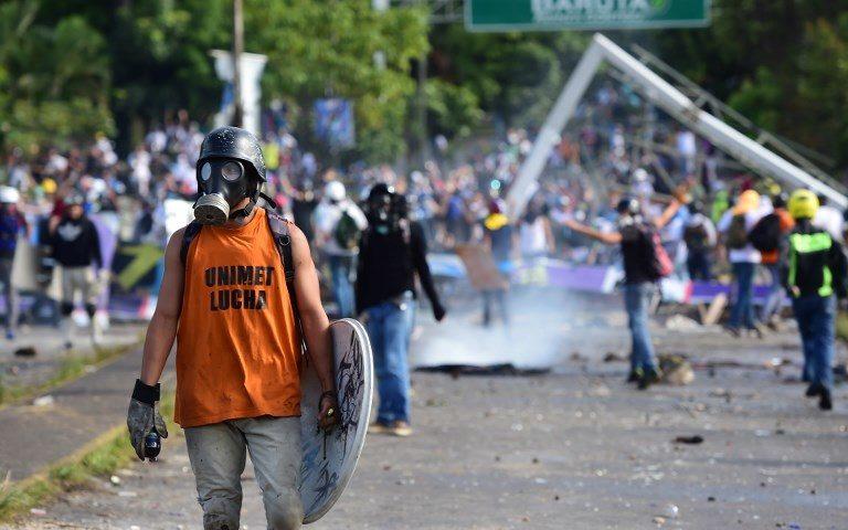 Protestas contra la Constituyente de Maduro dejan al menos 16 muertos