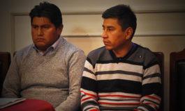 Detención domiciliaria a 2 profesores de Achacachi y vecinos mantienen vigilia en La Paz