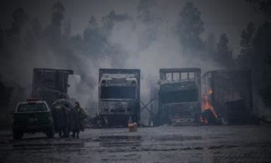 Encapuchados queman 18 camiones con alimentos en Chile