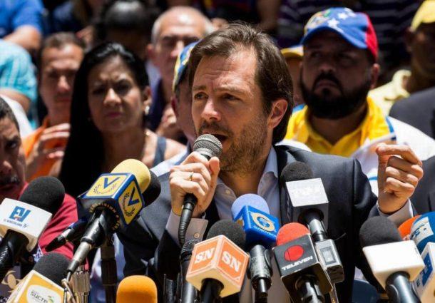 """Intervención militar de EEUU en Venezuela puede ser """"inevitable"""" según ex alcalde opositor"""