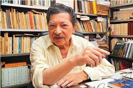 Isaac Sandoval formaliza la donación de 14.500 libros a la biblioteca de la Fundación Cultural del Banco Central