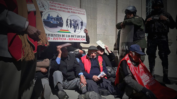 Comisión de la Verdad es posesionada en medio de represión a sobrevivientes de dictaduras