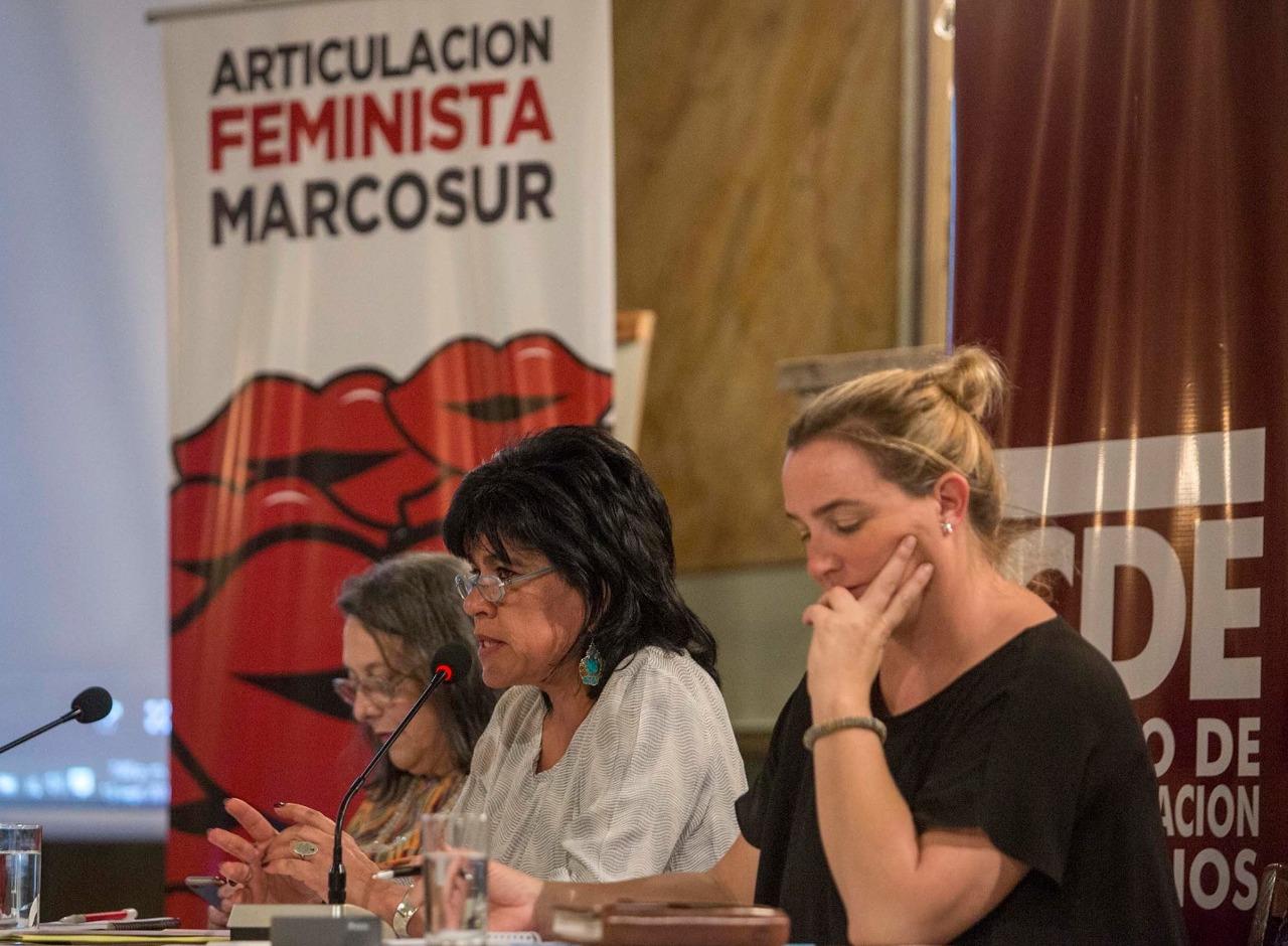 Paridad democrática: La presidenta del TSE, Katia Uriona expone la experiencia boliviana en Paraguay