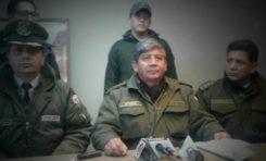 Caen 5 policías sorprendidos en decomiso de celulares en la ciudad de El Alto
