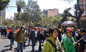 Marcha de universitarios cierra una semana conflictiva