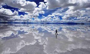 Uyuni, el mayor espejo del planeta en un desierto boliviano