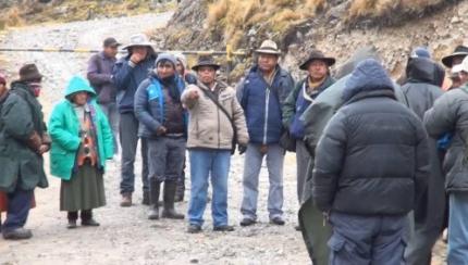 Habitantes de Zongo Valle se movilizan contra COBEE para que cumpla compromisos