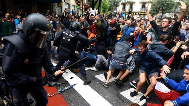 Intervención policial en referéndum de independencia de Cataluña deja más de 700 heridos