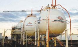 Bolivia trae insumos de varios países del mundo para formular gasolinas