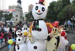 Este viernes en la tarde, feriantes de Navidad realizan la tradicional caravana por el centro de la ciudad