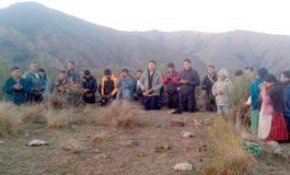 Comunarios de Lampasillos piden de rodillas a Dios para que llueva