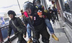 Periodista se recupera favorablemente después de ser herida durante protestas de médicos
