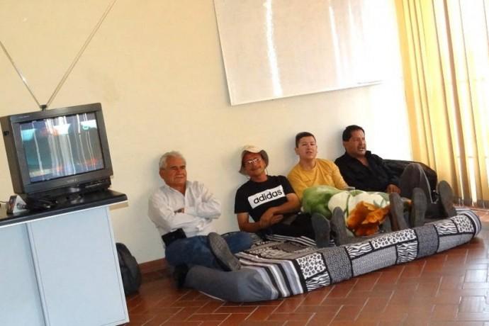 Sucre: 14 médicos cumplen cuarto día de huelga de hambre