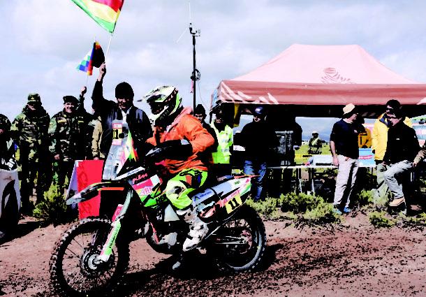 Chavo Salvatierra abandona el Rally Dakar