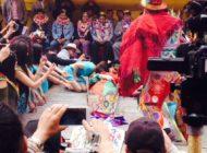 El pepino revive con dos besos e inicia el Carnaval