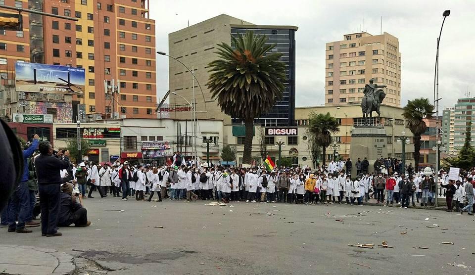 Dirigencia médica acuerda con el Gobierno, pero sus bases dudan en acatar