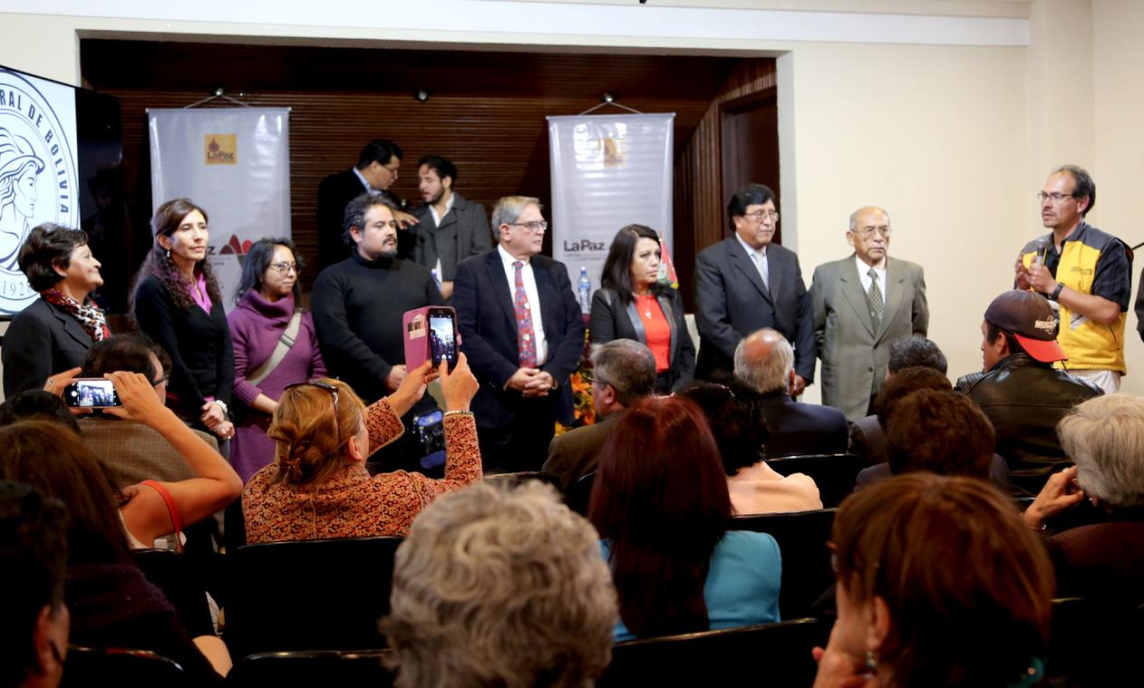 Presentan programa de fomento a la lectura en el Día de la Literatura y las Letras Paceñas
