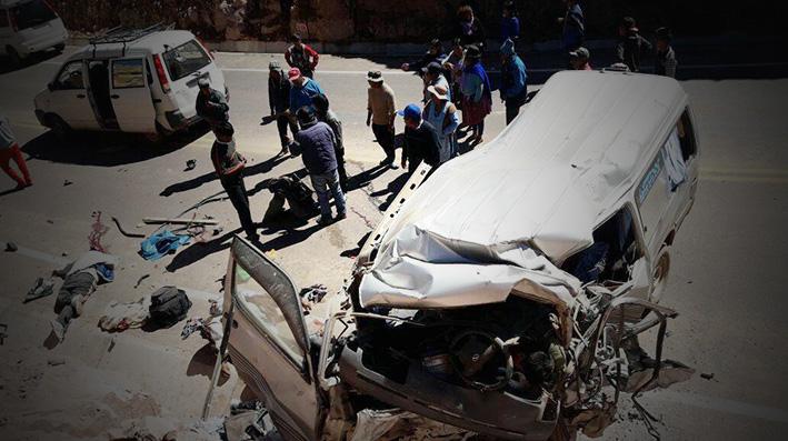13 fallecidos en accidente de tránsito en la carretera de Sucre – Llallagua