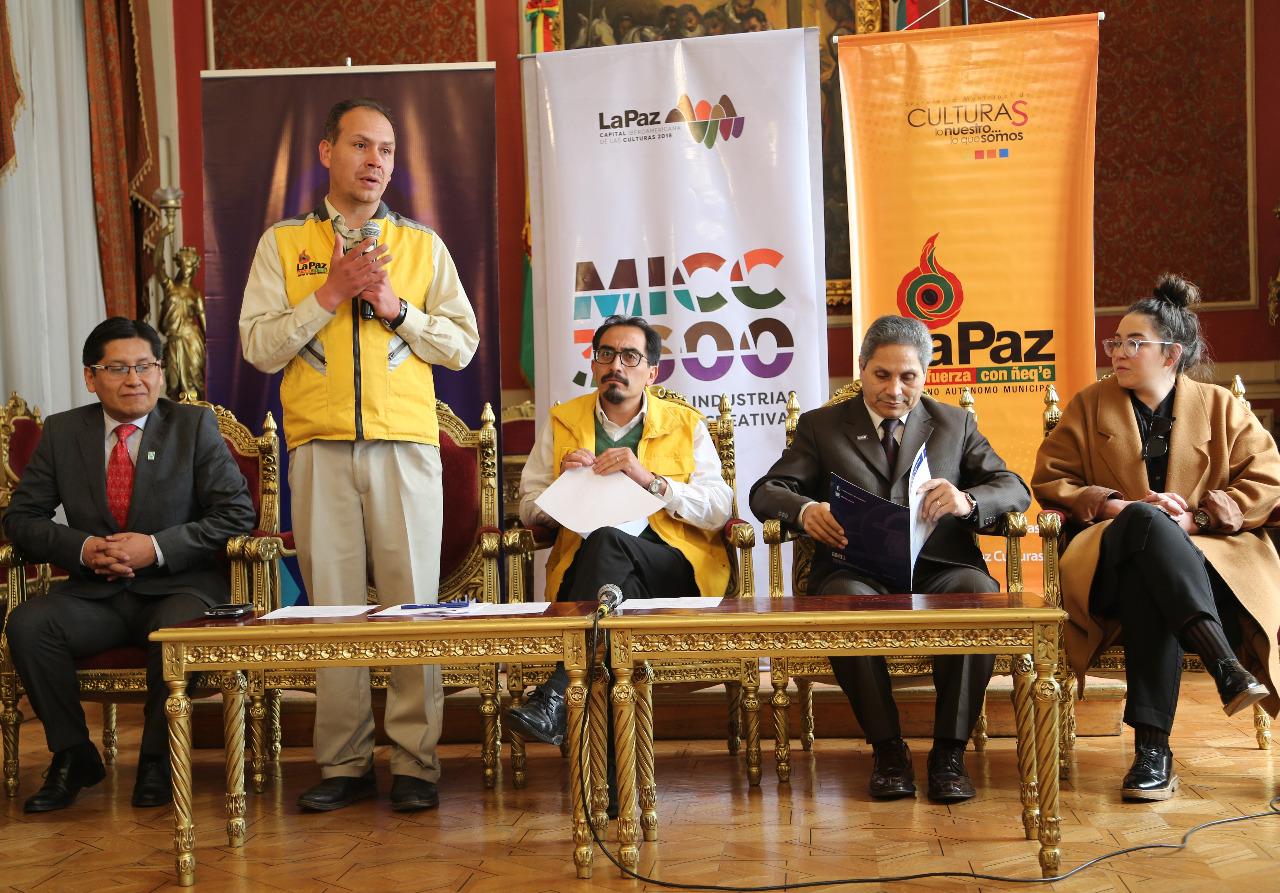 La Paz organiza el primer Mercado de Industrias Culturales y Creativas del país
