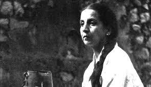 Homenajean la vida y obra literaria de Yolanda Bedregal en la Casa del Poeta