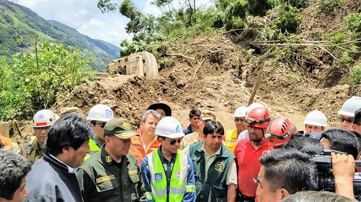 Evo Morales llega a supervisar tareas de rescate en Caranavi