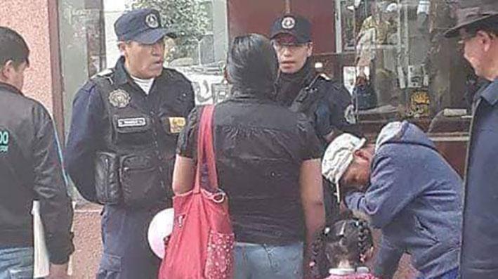 Alcaldía de la ciudad de La Paz aclara que no hubo maltrato al menor que vende tunas