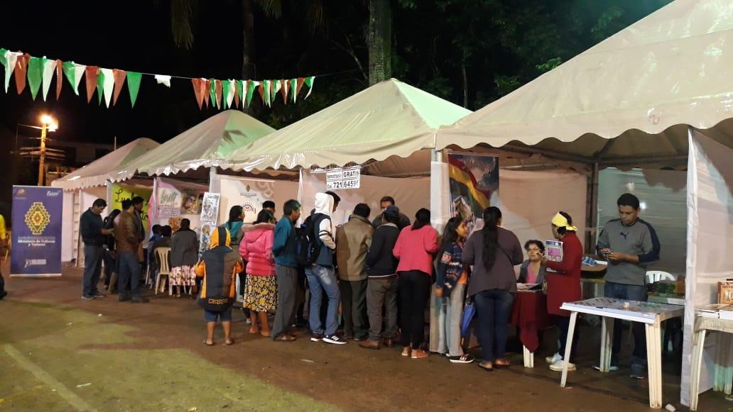 Realizan la II Feria Nacional del Libro en Yapacaní