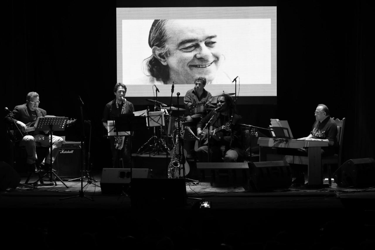 Realizan un homenaje musical a João Gilberto en el Cine Teatro 6 de Agosto