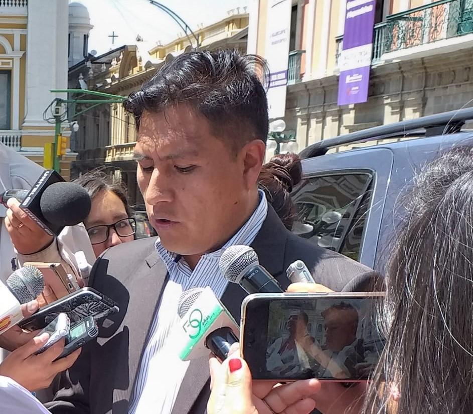 La confederación de médicos afín al Gobierno convoca a una movilización en contra del paro de galenos