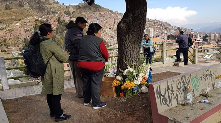 Amautas declaran sagrado el lugar donde cayó un rayo y mató a dos jóvenes