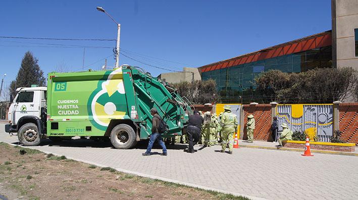 cierre de la avenida Arica por camiones de Trebol