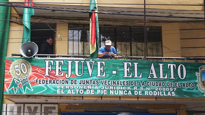 Fejuve El Alto acepta ir al diálogo con el Gobierno transitorio