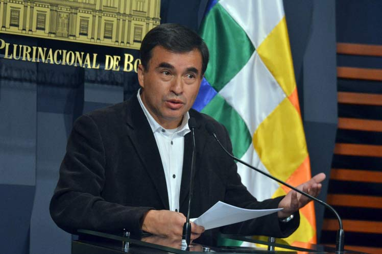 La canciller Longaric asegura que Juan Ramón Quintana está en la embajada de México