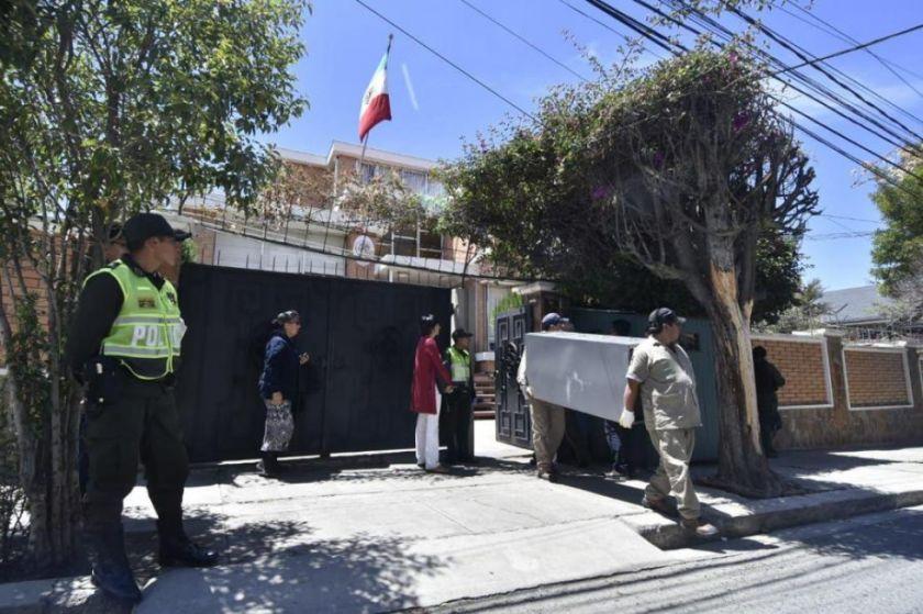Gobierno mexicano denuncia fuerte vigilancia en sedes diplomáticas en Bolivia