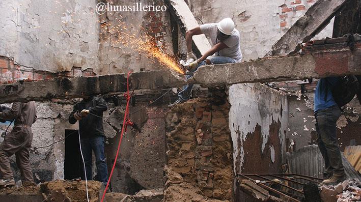 Inician demoliciones en el edificio policial afectado por ataques vandálicos